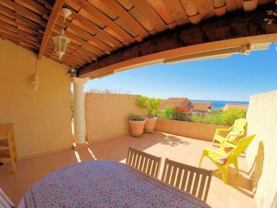 Théoule sur Mer, (06 Alpes Maritimes)à vendre maison jumelée exposé plein sud vue mer, terrasse 20m2, terrasse 20m2