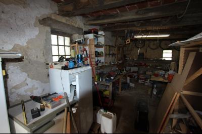 BELLEVESVRE (Saône-et-Loire)), à vendre ancienne ferme sur 7215 m² de terrain., Atelier