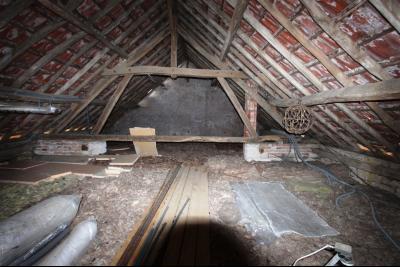 Bellevesvre (71 - Saône et Loire), à vendre maison rénovée avec 2 chambres et dépendances., Combles