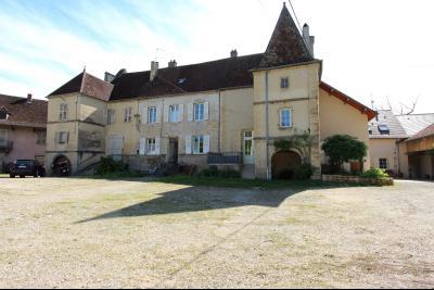 Poligny (39 JURA), à vendre belle demeure du 15° siècle à rafraichir et personnaliser., Vue d
