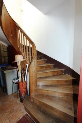 Poligny (39 JURA), à vendre belle demeure du 15° siècle à rafraichir et personnaliser., Accès étage