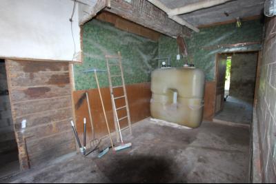 Secteur Lons-le-Saunier (39 JURA), à vendre maison en pierre sur sous-sol, 2 chambres avec jardin., Croquis