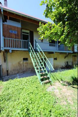 Secteur Lons-le-Saunier (39 JURA), à vendre maison en pierre sur sous-sol, 2 chambres avec jardin., Jardin 110 m²
