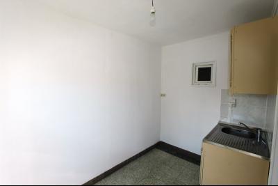 Bletterans centre, à vendre maison de ville avec garage, 1 chambre., Cuisine 6 m²