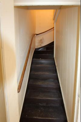 Bletterans centre, à vendre maison de ville avec garage, 1 chambre., Accès appartement