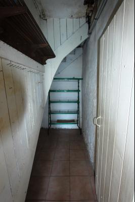 Bletterans centre, à vendre maison de ville avec garage, 1 chambre., Cellier