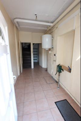 Bletterans centre, à vendre maison de ville avec garage, 1 chambre., Entrée maison