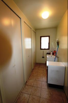 Lons-le-Saunier (39 JURA), à vendre maison de plain-pied, 3 chambres, 2 garages., Buanderie 10 m²