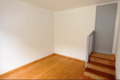 Bletterans centre-ville, à louer appartement, 3 chambres, au calme., CH3