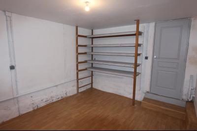 Bletterans centre-ville, à louer appartement, 3 chambres, au calme., Cellier