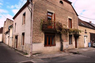 Bletterans centre-ville, à louer appartement, 3 chambres, au calme., Vue Façade