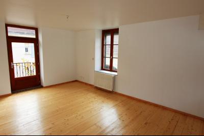 Bletterans centre-ville, à louer appartement, 3 chambres, au calme., CH1