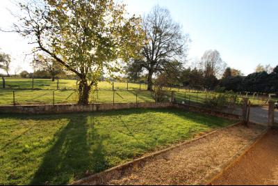 Pierre-de-Bresse (71270) à vendre maison à la campagne avec dépendance sur 8000 m² de terrain., Terrain