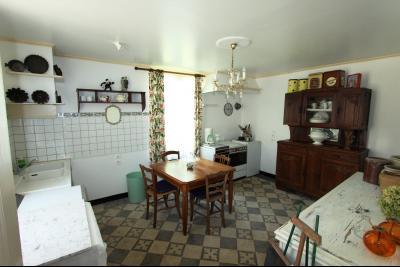 Pierre de Bresse, vends maison de caractère avec gîte indépendant sur 1700 m² de terrain, Salon indépendant