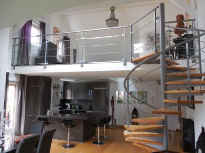 Entre THONON et EVIAN, à vendre appartement duplex T5 situé les pieds dans l