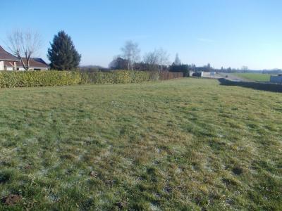 Secteur Chaussin, vends beau terrain à bâtir plat de 2000m², vue depuis chemin
