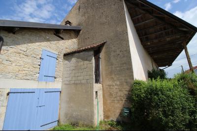VENTE secteur PONT DE POITTE: MAISON en pierre de 139 m², 5 pièces sur 500 m² et 10 ares de terrain, PIECE DE VIE de 48 m²