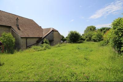 VENTE secteur PONT DE POITTE: MAISON en pierre de 139 m², 5 pièces sur 500 m² de terrain, SALON/SALLE A MANGER
