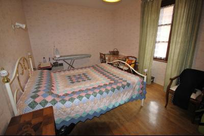 VENTE LONS-LE-SAUNIER (39)JURA, MAISON DE VILLAGE sur sous-sol, 2 chambres, 100 m² de jardin et cour, Chambre 2 de 12.50 m² env.