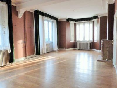 LONS-le-SAUNIER 18km JURA Vends Maison de Maître 255m²env. idéale chambres hôtes,activité artistique, Chambre 1 - (niveau 1) - 14.65m²env.