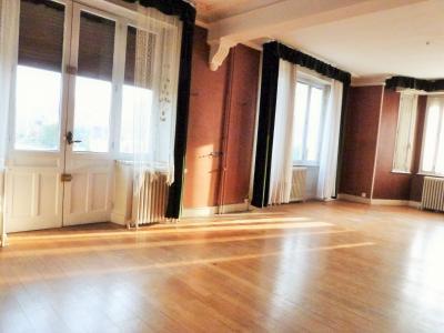 LONS-le-SAUNIER 18km JURA Vends Maison de Maître 255m²env. idéale chambres hôtes,activité artistique, Façade Est avec belles ouvertures et balcons