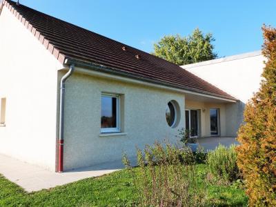 Axe LONS-le-SAUNIER/BLETTERANS 39 JURA  Villa 2008 PLAIN-PIED 155m²env., 2 garages sur 2350m²env., Chambre 2 - 11m² env.