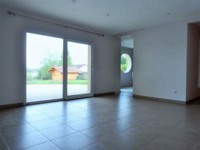 Axe LONS-le-SAUNIER/BLETTERANS 39 JURA  Villa 2008 PLAIN-PIED 155m²env., 2 garages sur 2350m²env., Chambre 4 - 12.10m²env.