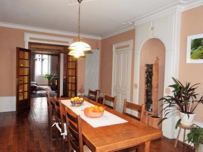 LONS-LE-SAUNIER 39000 JURA Plein Centre Appartement 139m²env. 1er étage - 3 chambres., Séjour 28.10m²env.