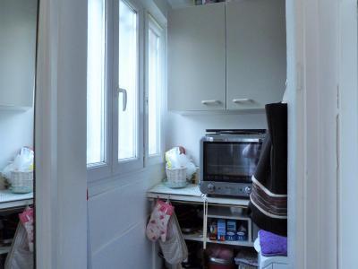 LONS-LE-SAUNIER 39000 Jura Centre vends APPARTEMENT T3 de 62m²env. - récemment rénové - balcon, Cellier avec fenêtre et emplacement machine à laver