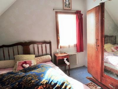 Proche BLETTERANS Jura Vends MAISON (2004) 137m²env. -4 chambres (1 plain-pied)- sur 1250m²env., Chambre 3 - étage -