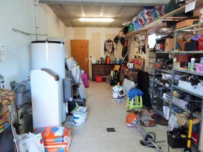 Proche BLETTERANS Jura Vends MAISON (2004) 137m²env. -4 chambres (1 plain-pied)- sur 1250m²env., Garage avec porte motorisée