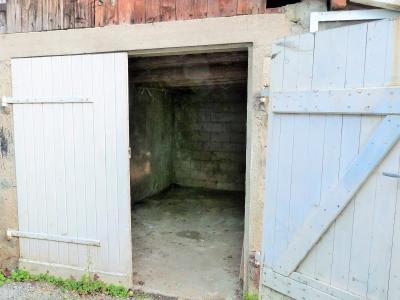 ORGELET JURA 39 11km Vends Ancienne FERME en pierres -à rénover-(vastes dépendances,jardin, verger), Petit garage