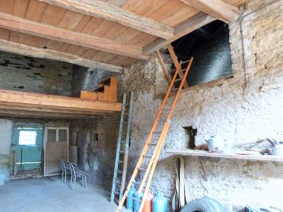 ORGELET JURA 39 11km Vends Ancienne FERME en pierres -à rénover-(vastes dépendances,jardin, verger), Grange traversante