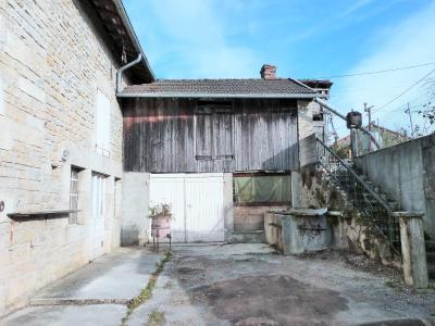 ORGELET JURA 39 11km Vends Ancienne FERME en pierres -à rénover-(vastes dépendances,jardin, verger), En angle, dépendances avec garage, petite forger et cellier