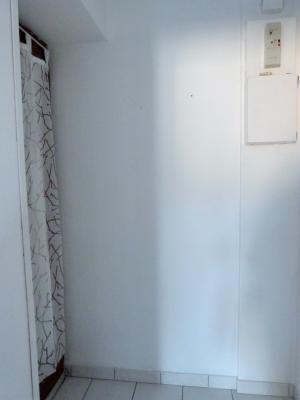 LONS-LE-SAUNIER 39000 Proche centre Vends MAISON de VILLE 60m²env. mitoyenne 1 seul côté, 2 garages, Entrée sur pièce à vivre