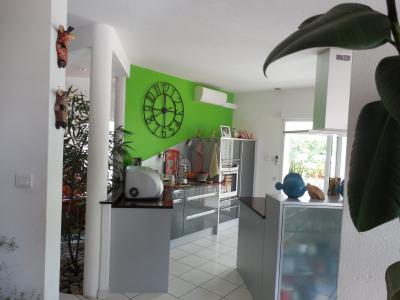 Dole, 39100, A vendre maison contemporaine de 3 chambres de 260 m², piscine chauffée, garage double,