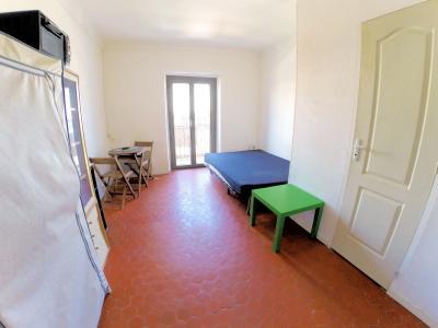 Nice centre (06 Alpes Maritimes), à vendre studios (2) dernier étage proche Garibaldi/Acropolis, sudio 2  coté boulevard Risso
