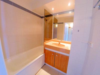 Théoule sur Mer (06 Alpes Maritimes), à vendre dernier étage avec vue mer panoramique, 2 terrasses, salle de bains