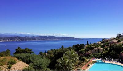 Théoule sur Mer (06 Alpes Maritimes), à vendre appartement avec vue mer panoramique, parking & cave, terrasse & panorama