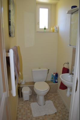 Lac de Bonlieu 39130, Appartement 80 m² avec 2 chambres, en parfait état et vue sur le lac., Bain, douche et 2e wc