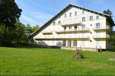 Lac de Bonlieu 39130, Appartement 80 m² avec 2 chambres, en parfait état et vue sur le lac., chambre 16 m²