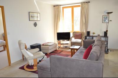Lac de Bonlieu 39130, Appartement 80 m² avec 2 chambres, en parfait état et vue sur le lac., Résidence du lac