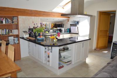 Lac de Bonlieu 39130, Appartement 80 m² avec 2 chambres, en parfait état et vue sur le lac., Salons vue lac