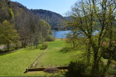 Lac de Bonlieu 39130, Appartement 80 m² avec 2 chambres, en parfait état et vue sur le lac., Chambre 13 m² au coucher du soleil