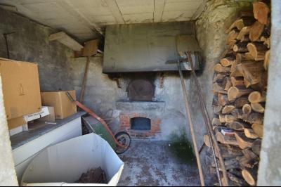 Thoiria, Proche Clairvaux les lacs, très agréable maison de village 3 chambres et 1700 m² terrain., Four à pain qui fonctionne
