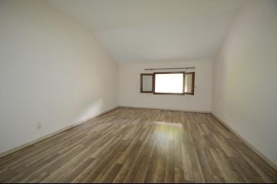 Les Piards 39150, Immeuble de 6 appartements à moins de 30 minutes de Moirans, Morez et St Claude., F3. Chambre 17 m²