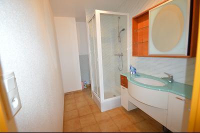 Les Piards 39150, Immeuble de 6 appartements à moins de 30 minutes de Moirans, Morez et St Claude., Studio salle de douche/wc
