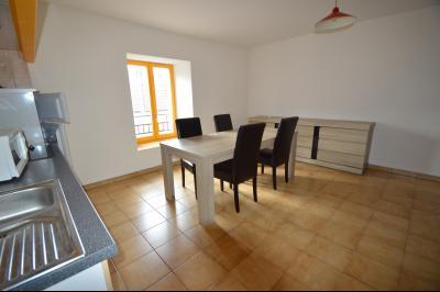 Les Piards 39150, Immeuble de 6 appartements à moins de 30 minutes de Moirans, Morez et St Claude., Studio meublé bon état