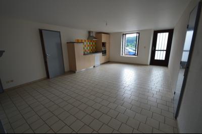 Les Piards 39150, Immeuble de 6 appartements à moins de 30 minutes de Moirans, Morez et St Claude., F2,  63.5 m². Bon état