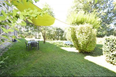 Proche Clairvaux les lacs, maison 85 m² avec 3 chambres et dépendances. Idéal résidence secondaire., Jardin